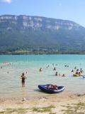 Lac d'Aiguebelette : baignade en famille près de Lyon