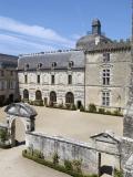Château de Vayres - Cour du Pavillon d'entrée
