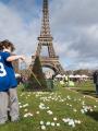 Chasse aux oeufs de Pâques 2016 par le Secours Populaire sur le Champ de Mars, Paris