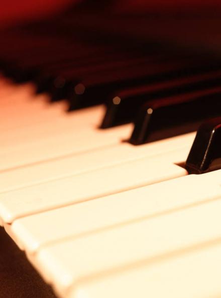 Cours de piano à l'école Régis Bonneel