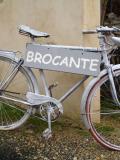Vélo panneau brocante