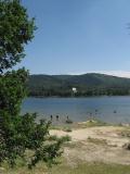 Lac de Saint-Féréol 2 par Paternel 1 — Travail personnel. Sous licence GFDL via Wikimedia Commons