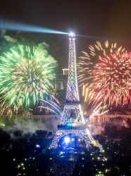 Feu d'artifice 14 juillet Paris © Flickr-CC-Y Caradec