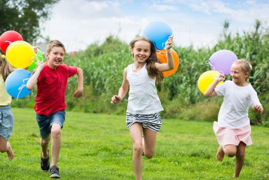 Top Des Jeux Plein Air A Organiser Avec Un Groupe D Enfants Pour Un Anniversaire Ou Une Fete De Famille Citizenkid