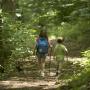 Des enfants en randonnée.