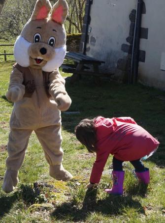 Chasse aux oeufs de Pâques à Veygoux