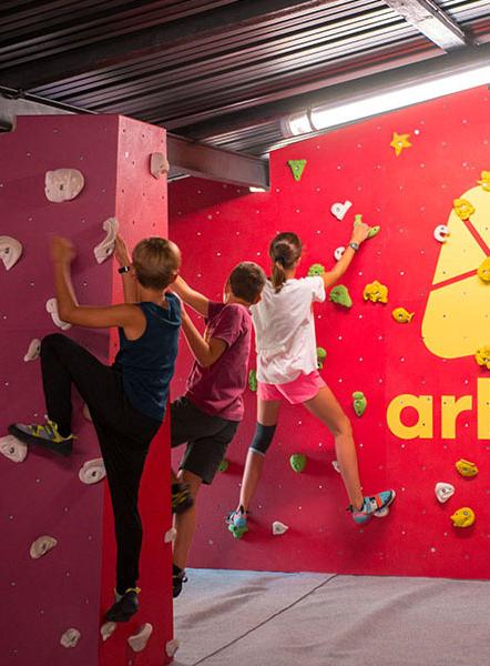 Salle D Escalade Activites Enfant A Marseille Citizenkid