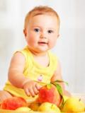 place crèche - enfant fruit