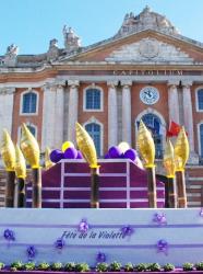 Fête de la Violette à Toulouse - Place du Capitole