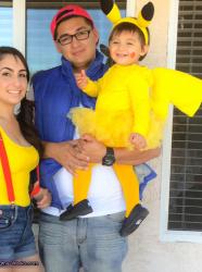 Déguisement parent-enfant Pokémon : costume de Sacha, Ondine et Pikachu