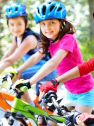 Les enfants cyclistes.