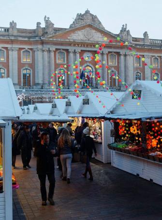 Marché de Noël sur la place du Capitole Toulouse 2018
